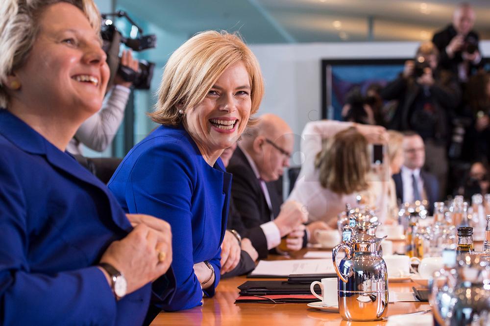 14 MAR 2018, BERLIN/GERMANY:<br /> Julia Kloeckner, MdB, CDU, Bundesministerin fuer Ernaehrung und Landwirtschaft, vor Beginn der ersten Sitzung des Kabinetts Merkel IV, Kabinettsaal, Bundeskanzleramt<br /> IMAGE: 20180314-02-008<br /> KEYWORDS: Julia Klöckner, Kabinett, Kabinettsitzung, Sitzung,, neues Kabinett