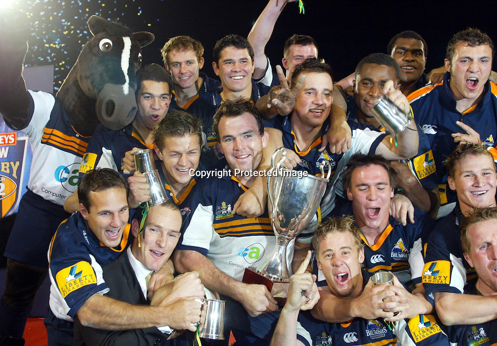 22 May, 2004. Super 12 Final, Canberra Stadium, Canberra ACT, Australia<br /> Brumbies celebrate.The Brumbies defeated the Crusaders  48-37<br /> Please credit: Andrew Cornaga/Photosport