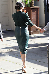October 3, 2018 - Chichester, United Kingdom - Prince Harry and Meghan Markle, The Duke and Duchess of Sussex on a walkabout outside the Royal Pavilion in Brighton , Sussex , United Kingdom. (Credit Image: © Stephen Lock/i-Images via ZUMA Press)