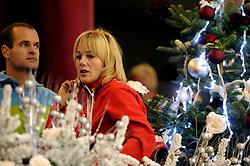 28-12-2010 SCHAATSEN: KPN NK ALLROUND EN SPRINT: HEERENVEEN<br /> In een interview met Mart Smeets  heeft Marianne Timmer per direct een punt gezet achter haar schaatscarriere. Links schaatscommentator Erben Wennemars<br /> ©2010-WWW.FOTOHOOGENDOORN.NL