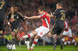 LONDON, ENGLAND - Wednesday, October 28, 2009: Liverpool's Aaron Ramsey in action against Arsenal during the League Cup 4th Round match at Emirates Stadium. (Photo by David Rawcliffe/Propaganda)
