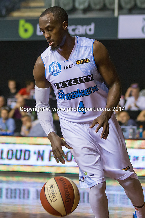 Breakers` Cedric Jackson in the game between SkyCity Breakers v Townsville Crocodiles. 2014/15 ANBL Basketball Season. North Shore Events Centre, Auckland, New Zealand, Friday, December 19, 2014. Photo: David Rowland/Photosport