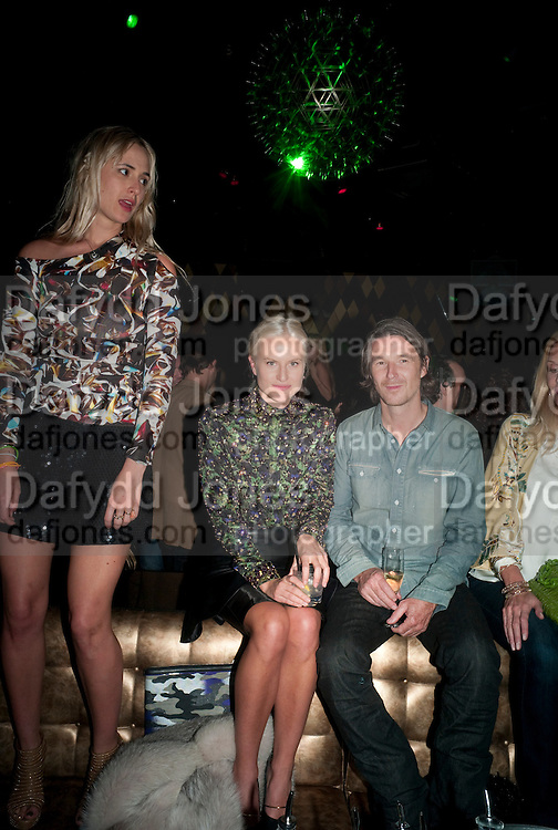 ELIZABETH VON THURN UND TAXIS; OLYMPIA SCARRY; NEVILLE WAKEFIELD, After party for hosted by Alex Dellal, Stavros Niarchos, and Vito Schnabel celebrate Dom PŽrignon Luminous. W Hotel Miami Beach. Opening of Miami Art Basel 2011, Miami Beach. 1 December 2011. .<br /> ELIZABETH VON THURN UND TAXIS; OLYMPIA SCARRY; NEVILLE WAKEFIELD, After party for hosted by Alex Dellal, Stavros Niarchos, and Vito Schnabel celebrate Dom Pérignon Luminous. W Hotel Miami Beach. Opening of Miami Art Basel 2011, Miami Beach. 1 December 2011. .