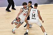 DESCRIZIONE : Madrid Eurolega Euroleague 2014-15 Final Four Semifinal Semifinale Real Madrid Fenerbahce Ulker Istanbul <br /> GIOCATORE : Sergio Llull<br /> SQUADRA : Real Madrid<br /> CATEGORIA : palleggio blocco difesa<br /> EVENTO : Eurolega 2014-2015<br /> GARA : Real Madrid Fenerbahce Ulker Istanbul <br /> DATA : 15/05/2015<br /> SPORT : Pallacanestro<br /> AUTORE : Agenzia Ciamillo-Castoria/GiulioCiamillo<br /> Galleria : Eurolega 2014-2015<br /> DESCRIZIONE : Madrid Eurolega Euroleague 2014-15 Final Four Semifinal Semifinale Real Madrid Fenerbahce Ulker Istanbul