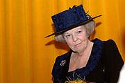 Her Majesty the queen has opened on Wednesday 12 April in national museum from Speelklok to pierement in Utrecht the exibition Royal Music machines.<br /> <br /> Hare Majesteit de Koningin heeft op woensdag 12 april in Nationaal Museum van Speelklok tot Pierement te Utrecht de tentoonstelling Royal Music Machines geopend.<br /> <br /> op de foto: <br /> <br /> <br />  De Koningin en de directeur van het Nationaal Museum van Speelklok tot Pierement bekijken de orgelspeelpop La Musicienne uit 1773 / The queen and the director of the national museum from Speelklok to pierement examine the organ La Musicienne from 1773