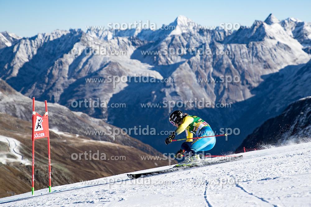 22.10.2016, Rettenbachferner, Soelden, AUT, FIS Weltcup Ski Alpin, Soelden, Riesenslalom, Damen, 1. Durchgang, im Bild Kajsa Kling (SWE) // Kajsa Kling of Sweden in action during 1st run of ladies Giant Slalom of the FIS Ski Alpine Worldcup opening at the Rettenbachferner in Soelden, Austria on 2016/10/22. EXPA Pictures © 2016, PhotoCredit: EXPA/ Johann Groder