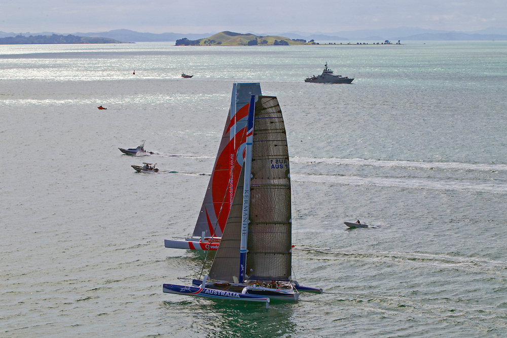 Team Vodafone Sailing and Team Australia compete in the annual Coastal Classic Yacht Race departing for the Bay of Islands, Auckland, New Zealand, Friday, October 25, 2013.  Credit:SNPA / David Rowland