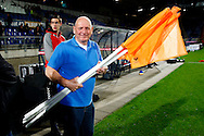 19-09-2015 VOETBAL:WILLEM II- FC UTRECHT:TILBURG<br /> <br /> Ad Engel komt de vergeten hoekvlaggen snel brengen<br /> <br /> Foto: Geert van Erven
