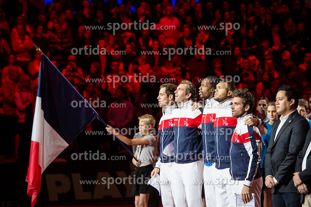 21.11.2014, Stade Pierre Mauroy, Lille, FRA, Davis Cup Finale, Frankreich vs Schweiz, im Bild Richard Gasquet (FRA), Julien Benneteau (FRA), Gael Monfils (FRA), Jo Wilfried Tsonga (FRA) und Captain Arnaud Clement (FRA) singen die Hymne // during the Davis Cup Final between France and Switzerland at the Stade Pierre Mauroy in Lille, France on 2014/11/21. EXPA Pictures &copy; 2014, PhotoCredit: EXPA/ Freshfocus/ Valeriano Di Domenico<br /> <br /> *****ATTENTION - for AUT, SLO, CRO, SRB, BIH, MAZ only*****