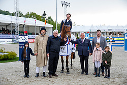 ANQUENTIN Julien (FRA), Gravity of Greenhill, SCHOCKEMOEHLE Paul (Riders Tour), BOCK Bernhard (Bemer), KASSELMANN Ullrich (Veranstalter)<br /> Hagen - Horses and Dreams 2019<br /> Siegerehrung<br /> Großer Preis der Deutschen Kreditbank AG- BEMER RIDERS TOUR - Wertungsprüfung - CSI4* Grand Prix Two Rounds<br /> 28. April 2019<br /> © www.sportfotos-lafrentz.de/Stefan Lafrentz