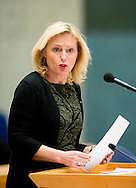 DEN HAAG - tweede kamer Minister Jet Bussemaker van OC&W copyright robin utrecht