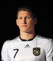 Fussball Nationalmannschaft :  Saison   2009/2010   10.11.2009 ADIDAS WM 2010 Trikot Vorstellung (Teamgeist) Bastian Schweinsteiger (GER)