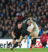 Twickenham, Great Britain, Mike BROWN, held up by Sonny BILL WILLIAMS during the QBE Autumn Internationals, England vs New Zealand, RFU Stadium Twickenham, Surrey.  Saturday  08/11/2014 [Mandatory Credit; Peter SPURRIER/Intersport Images]