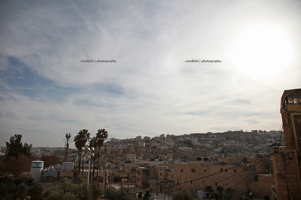 View from the Ibrahimi Mosque in Hebron to jewish occupied quarters and palastinian controlled quarters (back).