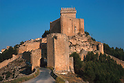 SPAIN, LA MANCHA, ALARCON castle and Nat. Parador above Rio Jucar
