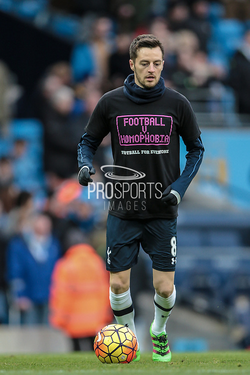 Ryan Mason (Tottenham Hotspur) before the Barclays Premier League match between Manchester City and Tottenham Hotspur at the Etihad Stadium, Manchester, England on 14 February 2016. Photo by Mark P Doherty.