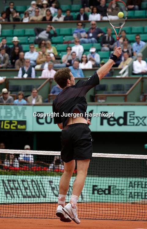 French Open 2009, Roland Garros, Paris, Frankreich,Sport, Tennis, ITF Grand Slam Tournament,<br /> Andy Murray (GBR) spielt einen Smash am Netz,action,Rueckenansicht,<br /> <br /> Foto: Juergen Hasenkopf