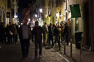 Portugal. Lisbon. Bario Alto area  /  bars dans le Quartier de Bario Alto . Lisbonne