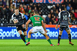George North of Ospreys on the attack<br /> <br /> Photographer Craig Thomas/Replay Images<br /> <br /> Guinness PRO14 Round 4 - Ospreys v Benetton Treviso - Saturday 22nd September 2018 - Liberty Stadium - Swansea<br /> <br /> World Copyright © Replay Images . All rights reserved. info@replayimages.co.uk - http://replayimages.co.uk