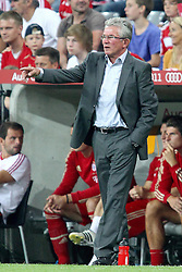 27.07.2011, Allianz Arena, Muenchen, GER, Audi Cup 2011, Finale,  FC Barcelona vs FC Bayern , im Bild Jupp Heynckes (Trainer Bayern) gibt anweisungen // during the Audi Cup 2011,  FC Barcelona vs FC Bayern  , on 2011/07/27, Allianz Arena, Munich, Germany, EXPA Pictures © 2011, PhotoCredit: EXPA/ nph/  Straubmeier       ****** out of GER / CRO  / BEL ******