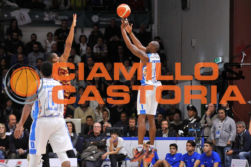 DESCRIZIONE : Campionato 2015/16 Serie A Beko Dinamo Banco di Sardegna Sassari - Umana Reyer Venezia<br /> GIOCATORE : Brenton Petway<br /> CATEGORIA : Tiro Tre Punti Three Point Controcampo<br /> SQUADRA : Dinamo Banco di Sardegna Sassari<br /> EVENTO : LegaBasket Serie A Beko 2015/2016<br /> GARA : Dinamo Banco di Sardegna Sassari - Umana Reyer Venezia<br /> DATA : 01/11/2015<br /> SPORT : Pallacanestro <br /> AUTORE : Agenzia Ciamillo-Castoria/C.Atzori
