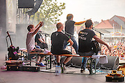 Monsters of Liedermaching beim Open Flair 2015 in Open Flair Festival Eschwege am 09.August 2015. Foto: Rüdiger Knuth