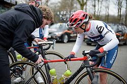 Final tweaks for Clara Koppenburg at the 124.2 km Omloop Het Nieuwsblad - Elite Women on February 25th 2017, starting and finishing in Gent, Belgium. (Photo by Sean Robinson/Velofocus)