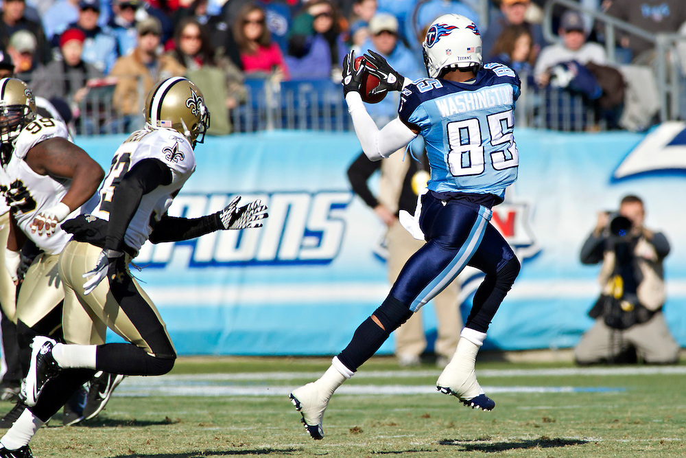 NASHVILLE, TN - DECEMBER 11:   Nate Washington #85 of the Tennessee Titans catches a pass against the New Orleans Saints at LP Field on December 11, 2011 in Nashville, Tennessee.  The Saints defeated the Titans 22-17.  (Photo by Wesley Hitt/Getty Images) *** Local Caption *** Nate Washington