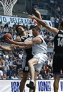 KOSARKA, BEOGRAD, 29. Jun. 2002. - Revijalna utakmica povodom deset godina od osvajanja titule orvaka Evrope KK Partizan. Utakmica izmedju Partizan 92 i Partizan All Star. Foto: Nenad Negovanovic