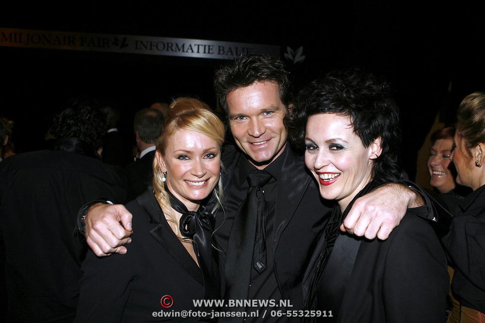 NLD/Amsterdam/20061207 - Miljonairfair 2006, Sander Jansons met vriendin(links)