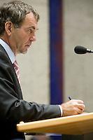 Nederland. Den Haag, 19 september 2007.<br /> Tweede dag algemene politieke beschouwingen in de tweede kamer.<br /> Pieter van Geel, fractievoorzitter CDA.<br /> Foto Martijn Beekman <br /> NIET VOOR TROUW, AD, TELEGRAAF, NRC EN HET PAROOL
