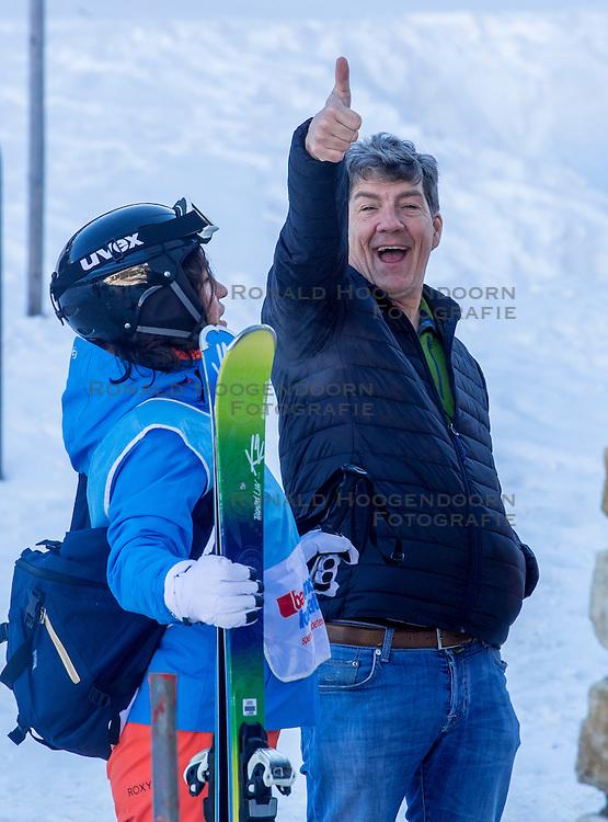 25-01-2017 AUT: BvdGF wintersportkamp dag 1, Obertauern<br /> Het 7de jaar wintersportkamp van de BvdGF is verhuisd naar Obertauern. Prachtige pistes, geweldig jeugdhotel en fantastisch weer maakt er weer een onvergetelijk kamp van / Casper