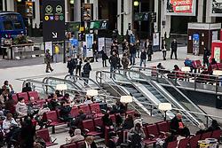 Sicurezza alla stazione dei treni Gare de Lyon.<br /> Security at the train station Gare de Lyon.