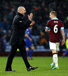 Burnley manager Sean Dyche encourages his players ahead of the second half with Leicester City - Mandatory by-line: Robbie Stephenson/JMP - 31/01/2017 - FOOTBALL - Turf Moor - Burnley, England - Burnley v Leicester City - Premier League