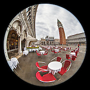 November 29~December 2, 2014  •  Venice, Italy  •  new images for 'aRound Venice'  •  Piazza San Marco from the West end