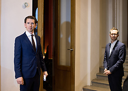 06.12.2017, Palais Epstein, Wien, AUT, Koalitionsverhandlungen von ÖVP und FPÖ anlässlich der Nationalratswahl 2017, im Bild ÖVP-Chef Sebastian Kurz and Pressesprecher Johannes Frischmann // during coalition negotiations between the Austrian Peoples Party and Austrian Freedom Party due to general elections 2017 in Vienna, Austria on 2017/12/06, EXPA Pictures © 2017, PhotoCredit: EXPA/ Michael Gruber