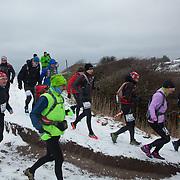 Maratonløbet er sat igang syd for for hammer Havn. Salomon Hammer Trail Winter Edition på Bornholm består af 4 løb, 50 miles, maraton, 1/2 maraton og 10 km. De første løbere startede kl 6 og den sidste løber var inde efter 15 timer og 14 minuter. Løbene løbes på en rute på ca 25 km som inkluderer 860 højdemeter og er Danmark's hårdeste trail løb. Løberne skal ned og ringe på klokken på Jon's Kapel, forbi Hammer Hus og over Hammer Knude. Over 100 løbere gennemførte løbet indenfor tidsgrænsen, som for 50 mil var sat til 16 timer.