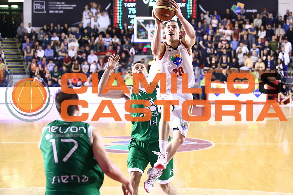 DESCRIZIONE : Roma Lega A 2013-2014 Acea Roma Montepaschi Siena<br /> GIOCATORE : Jimmy Baron<br /> CATEGORIA : tiro sequenza equilibrio<br /> SQUADRA : Acea Roma<br /> EVENTO : Campionato Lega A 2013-2014<br /> GARA : Acea Roma Montepaschi Siena<br /> DATA : 30/03/2014<br /> SPORT : Pallacanestro <br /> AUTORE : Agenzia Ciamillo-Castoria/M.Simoni<br /> Galleria : Lega Basket A 2013-2014  <br /> Fotonotizia : Roma Lega A 2013-2014 Acea Roma Montepaschi Siena<br /> Predefinita :