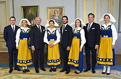 June 6, 2017 - Stockholm, Sweden - Prince Daniel, crown princess Victoria, king Carl XVI Gustaf, queen Silvia, prince Carl Philip, princess Sofia,Christopher O'Neill, princess Madeleine..National Day reception, Royal Palace, Stockholm, 2017-06-06..(c) Karin Törnblom / IBL....Nationaldagsmottagning, Kungliga slottet, Stockholm, 2017-06-06 (Credit Image: © Karin TöRnblom/IBL via ZUMA Press)