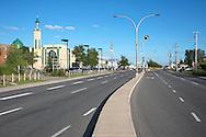 Boulevard Marcel-Laurin, Montréal.