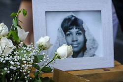 August 16, 2018 - Los Angeles, California, U.S - Flowers and messages are placed on Aretha Franklin's star at the Hollywood Walk of Fame Thursday, Aug. 16, 2018, in Los Angeles. Franklin, the glorious ''Queen of Soul'' and genius of American song, died Thursday morning at her home in Detroit of pancreatic cancer. She was 76. (Credit Image: © Ringo Chiu via ZUMA Wire)