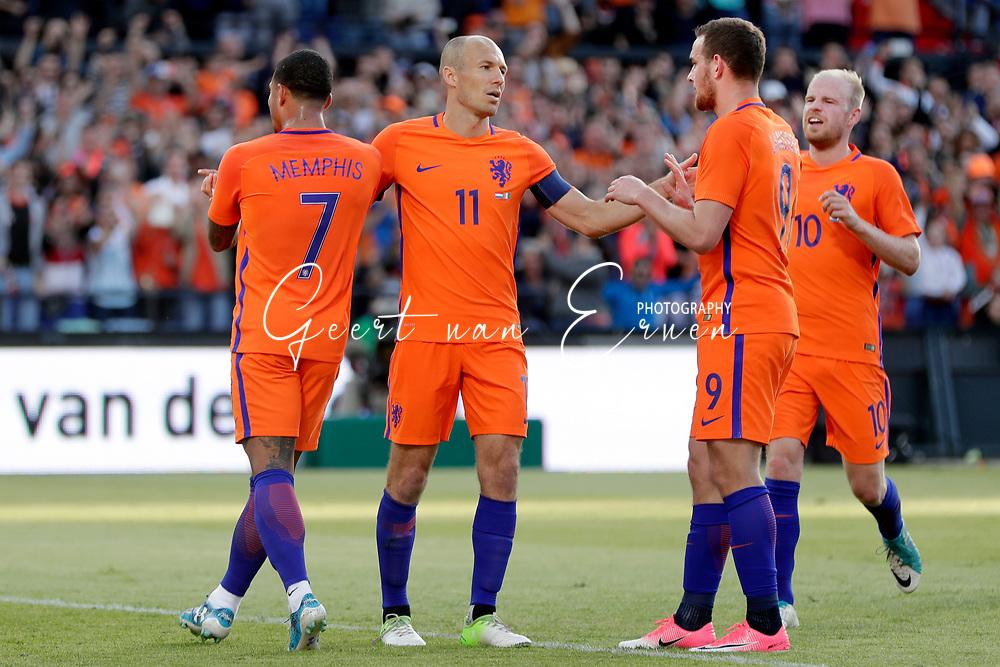 04-06-2017 VOETBAL:NEDERLAND-IVOORKUST:ROTTERDAM<br /> Oranje oefende tegen Ivoorkust vanavond in De Kuip<br /> <br /> Arjen Robben van Oranje (Bayern Munchen) viert zijn treffer met Kevin Strootman van Oranje (AS Roma) en Memphis Depay van Oranje (Olympic Lyon) en Davy Klaassen van Oranje (Ajax) <br /> <br /> Foto: Geert van Erven