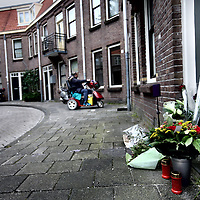 Nederland, Amsterdam , 22 mei 2014.<br /> Een 24-jarige vrouw is gisteravond zo ernstig mishandeld in een woning in Amsterdam aan het Transvaalplein dat ze overleed. Haar 41-jarige vriend is opgepakt.<br /> Zaterdagavond 17 mei rond kwart over zeven kreeg de politie een melding binnen van een in elkaar geslagen vrouw die gereanimeerd moest worden. Het 24-jarige slachtoffer zou in een woning liggen aan het Transvaalplein.<br /> Reanimatie door de meldster, politiepersoneel, brandweerpersoneel en ambulancepersoneel mocht niet baten. Het was overduidelijk dat de vrouw fors was mishandeld.Uit onderzoek bleek dat een 41-jarige man vermoedelijk betrokken was bij de dood van het slachtoffer.<br /> Foto:Jean-Pierre Jans