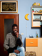 Vakantie Cisse, 23 anni, originario della Costa d'Avorio. Studia Economia presso l'Università di Torino e gioca a calcio. È diventato cittadino italiano nel 2014. Vakantie a casa, Bra.