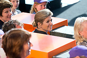 Koningin Maxima opent Week van het Geld in Beeld en Geluid, Hilversum. Het doel van deze week is om basisschoolleerlingen te leren omgaan met geldzaken. /// Queen Maxima opens the Money Week in Sound and Vision, Hilversum. The purpose of this week is to learn how to deal with money matters. Elementary school students<br /> <br /> Op de foto / On the photo:    Koningin Maxima /  Queen Maxima