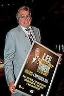 ROTTERDAM -   ROTTERDAM - Op initiatief van Radio 5 Nostalgie en speciaal ter gelegenheid van zijn 35-jarig artiestenjubileum maakt zanger Lee Towers op 1 november 2011 nog een enkele maal en slechts een avond zijn opwachting in Ahoy Rotterdam. Met op de foto Lee Towers. FOTO LEVIN DEN BOER - PERSFOTO.NU