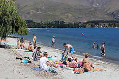 Wanaka-Holidaymakers flock to the Wanaka for new years eve
