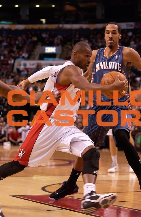 DESCRIZIONE : Toronto NBA 2010-2011 Toronto Raptors Charlotte Bobcats<br /> GIOCATORE : Leandro Barbosa<br /> SQUADRA : Toronto Raptors Charlotte Bobcats<br /> EVENTO : Campionato NBA 2010-2011<br /> GARA : Toronto Raptors Charlotte Bobcats<br /> DATA : 13/03/2011<br /> CATEGORIA :<br /> SPORT : Pallacanestro <br /> AUTORE : Agenzia Ciamillo-Castoria/V.Keslassy<br /> Galleria : NBA 2010-2011<br /> Fotonotizia : Toronto NBA 2010-2011 Toronto Raptors Charlotte Bobcats<br /> Predefinita :