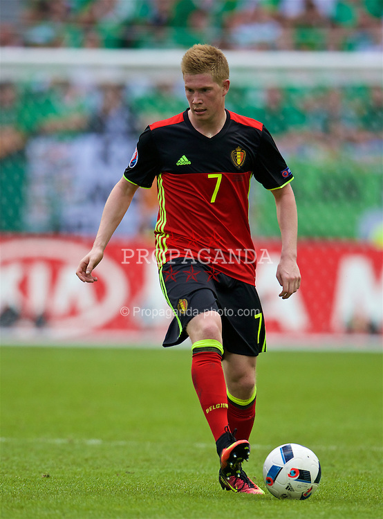 BORDEAUX, FRANCE - Saturday, June 18, 2016: Belgium's Kevin De Bruyne in action against the Republic of Ireland during the UEFA Euro 2016 Championship Group E match at Stade de Bordeaux. (Pic by Paul Greenwood/Propaganda)