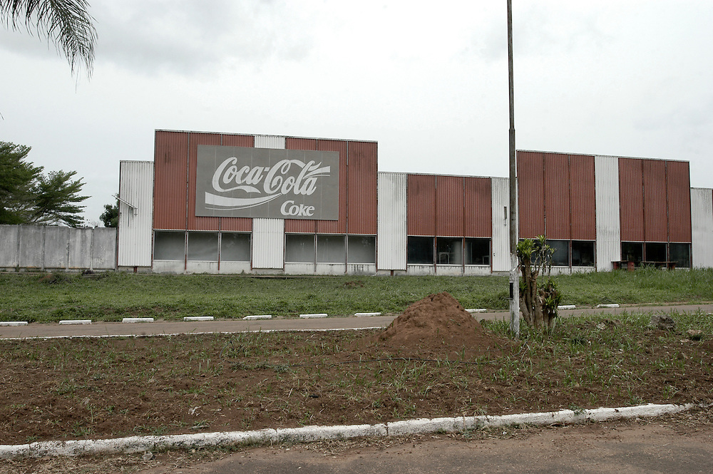 An abandoned Coca Cola factory built by the former president of Zaire Mobutu Sese Seko in his ancestral village in Equateur Province..Gbadolite, Democratic Republic of Congo. 19/03/2009.Photo © J.B. Russell
